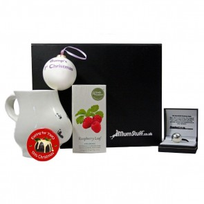 Bump and bauble Christmas Gift Box5